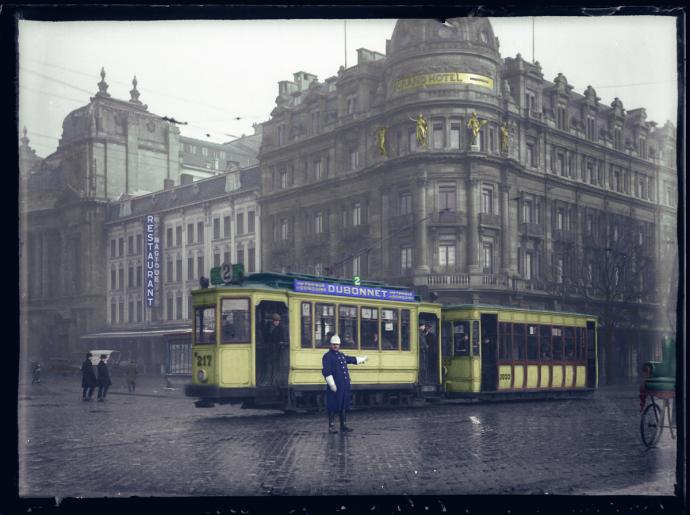Frankrijklei Antwerpen - Hotel Weber 1926 - Colorized by Perry Dolmans